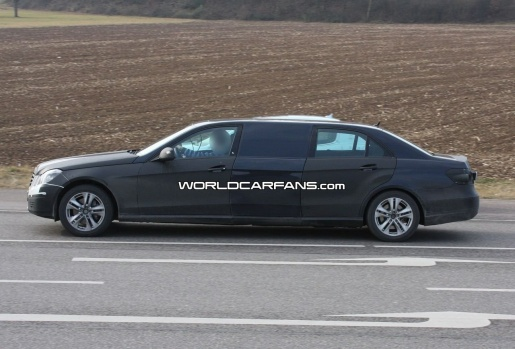Mercedes E Pullman Limousine