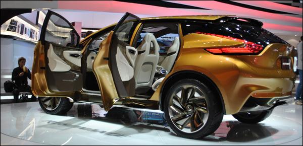 Autosalon Geneve 2013 - Nissan