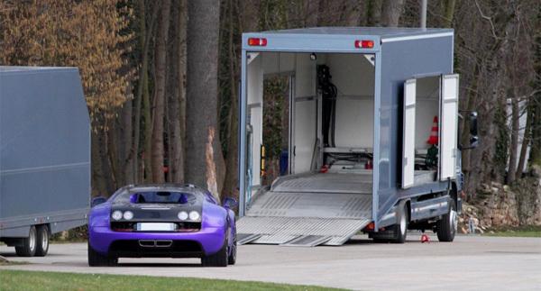 Bugatti Veyron Super Sport paars