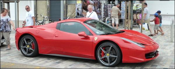 Gespot Ferrari 458 Spider