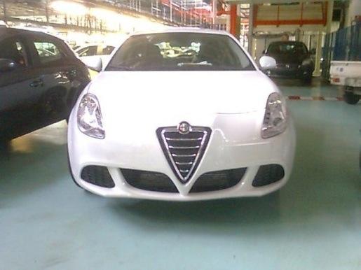 Alfa Romeo Milano Spyshots