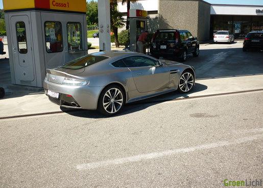 Aston Martin V12 Vantage gespot