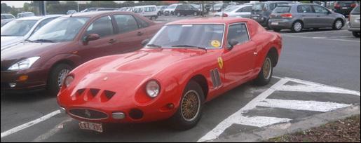 Gespot Ferrari 250 GTO replica