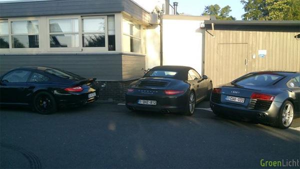Gespot Porsche Turbo S 911 997 991 Carrera 4 S Cabriolet Audi R8 Gentbrugge Nieuw Stadion