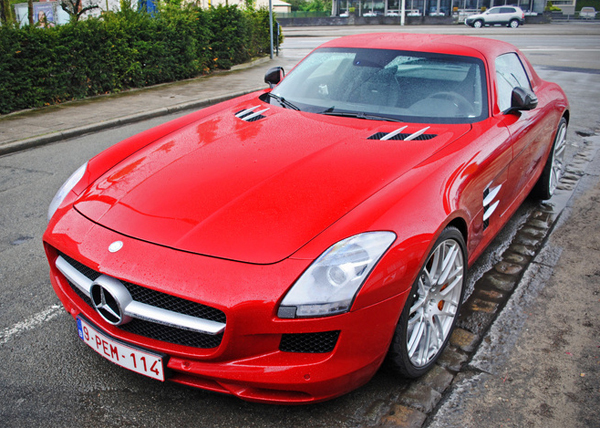 Mercedes SLS AMG Roadster Coupe gespot