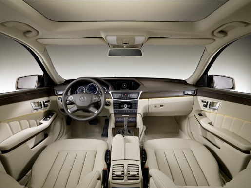 Officieel nieuwe mercedes e klasse break for Interieur mercedes c klasse