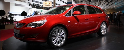 Parijs 2010 Opel Astra Sports Tourer