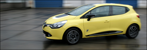 Renault Clio test 2012 header