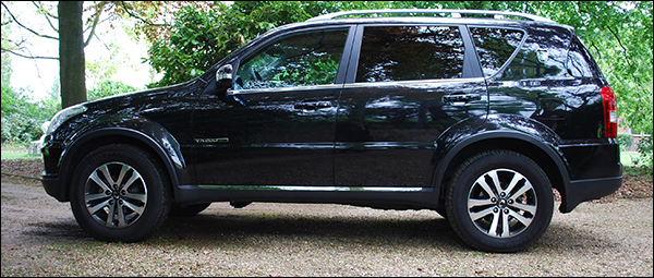 Rijtest Ssangyong Rexton W 2013 SUV