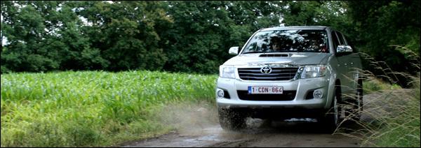 Toyota Hilux test 2012
