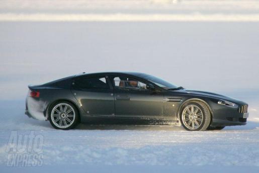 Aston Martin Rapide Spyshots Sneeuw