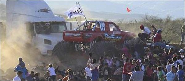 Monstertruck ongeval Mexico