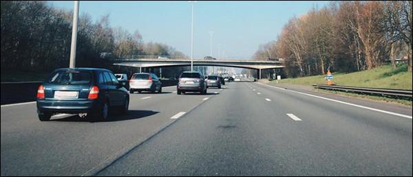BIVV promoot rechts rijden! #middenvakrijders