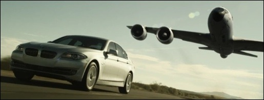 BMW 5-Reeks vliegtuigtank advertentie ultimate driving machine