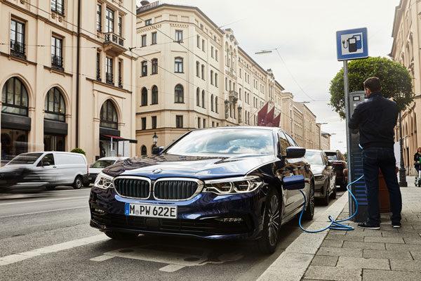 BMW schenkt de 530e Berline méér rijbereik en minder CO2 (2019)