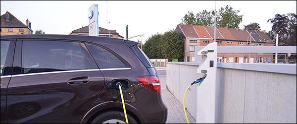 BMW, Mercedes, Ford en Volkswagen bouwen samen laadpalen netwerk