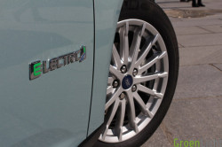 Duotest - Nissan Leaf vs Focus Electric 06