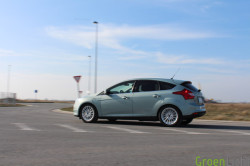 Duotest - Nissan Leaf vs Focus Electric 45