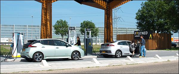 Fastned komt met 13 krachtige laadpalen (350 kW) naar Belgie