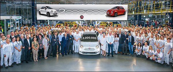 Twee miljoenste Fiat 500 rolt van de band