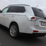 Rijtest Mitsubishi Outlander 2013