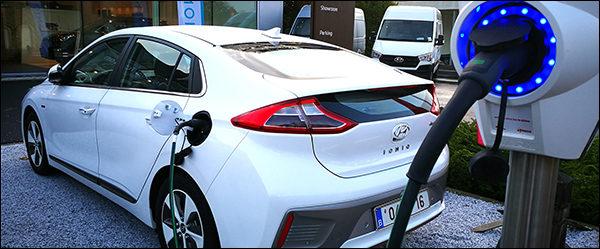 Hyundai en ENECO starten met de uitrol van publieke laadpalen