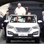 Nieuwe Pausmobiel: Hyundai Santa Fe Convertible