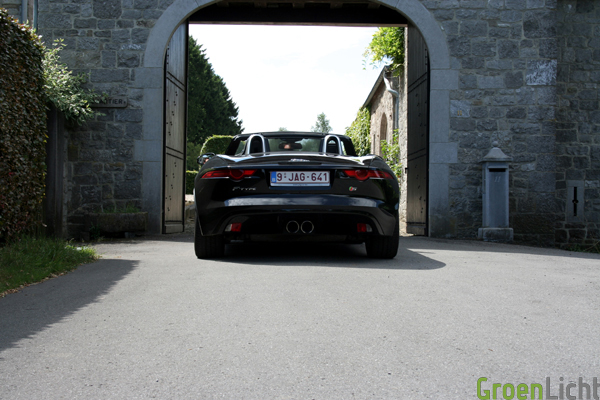 Jaguar_F-Type_test