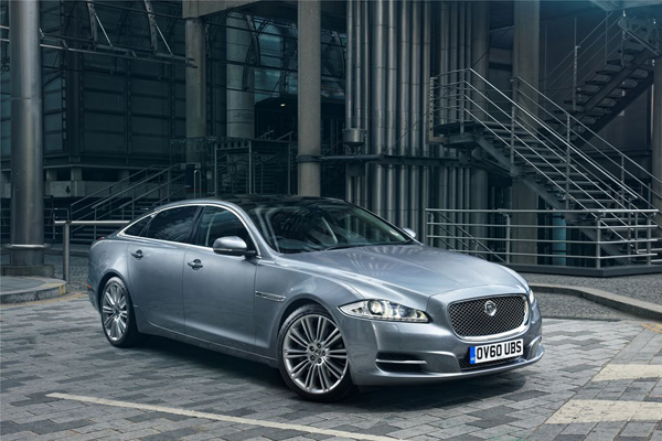 Jaguar XJ L 2.0 i4 2013 Test (5)