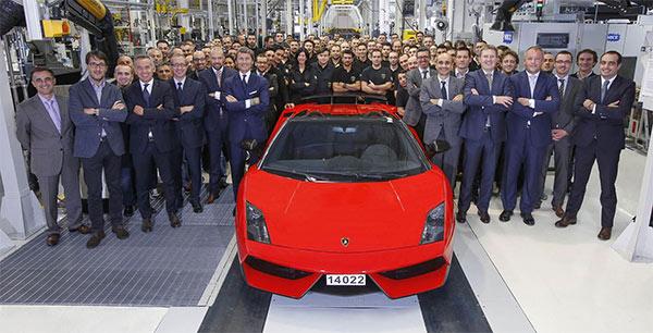 Laatste Lamborghini Gallardo rolt van de band