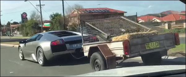 Video: Lamborghini Murcielago + aanhangwagen + geiten