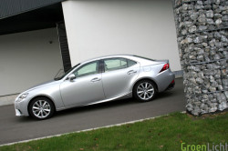 Lexus IS300h test