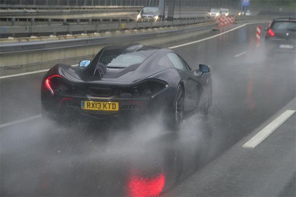 McLaren-P1-gespot-1