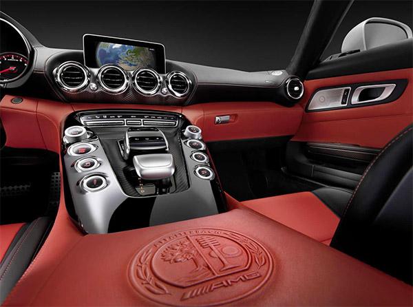 Eerste foto's: Interieur Mercedes AMG GT