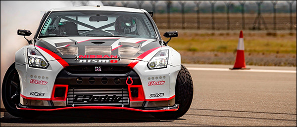 Video: Nissan GT-R breekt wereldrecord driften aan 305 km/u