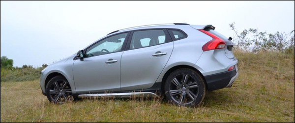 Ook-Volvo-V40-Cross-Country-krijgt-T5-Drive-E-motor-AWD