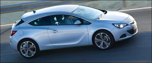 Opel Astra GTC 200 pk