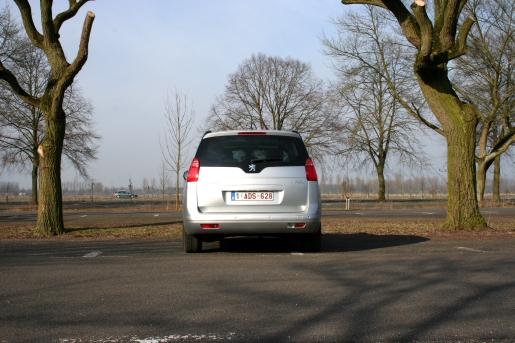 Peugeot 5008 Rijtest
