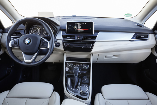rijtest bmw 2 reeks active tourer plug in hybrid 225xe. Black Bedroom Furniture Sets. Home Design Ideas
