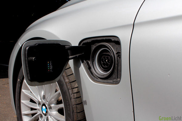 Rijtest - BMW 330e PIH Plug-In Hybrid - 02