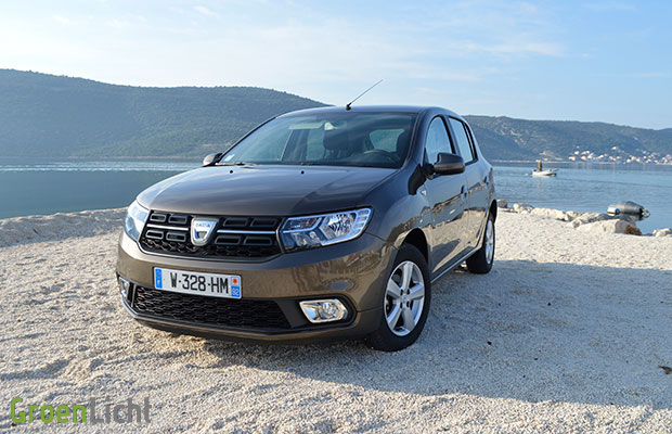 kort getest dacia sandero 1 0 sce 75 pk 2017. Black Bedroom Furniture Sets. Home Design Ideas