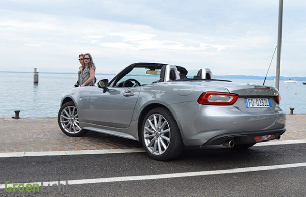 Rijtest Fiat 124 Spider 1.4 MultiAir Turbo (2016)