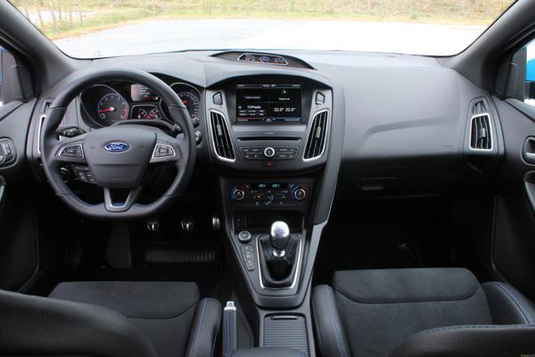 Rijtest - Ford Focus RS - 19