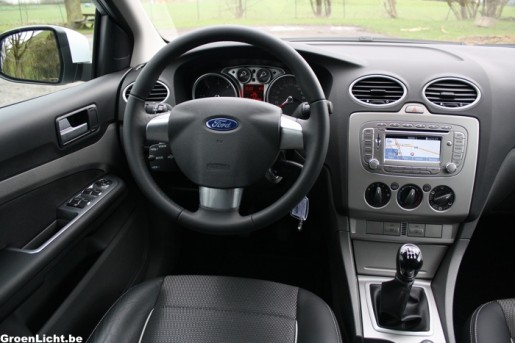 Rijtest ford focus clipper econetic 2 for Ford focus 2006 interieur