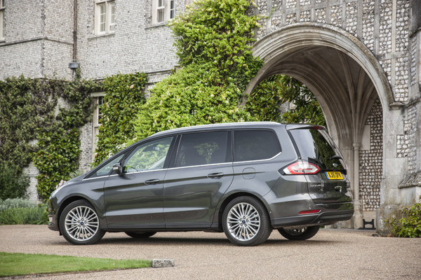 Rijtest - Ford Galaxy 2015 12