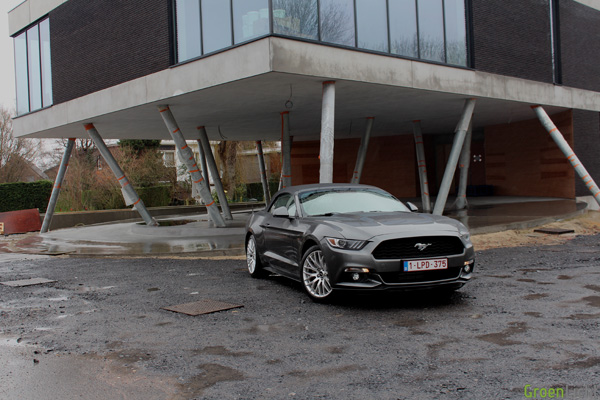 Rijtest - Ford Mustang Convertible 01