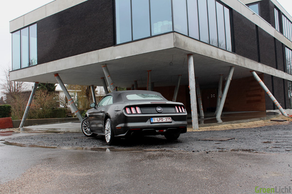 Rijtest - Ford Mustang Convertible 05