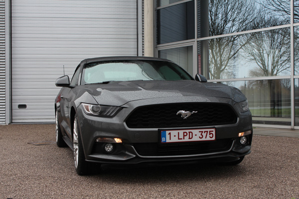 Rijtest - Ford Mustang Convertible 10