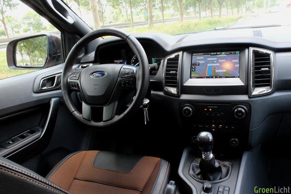 Rijtest ford ranger 3 2 wildtrak 2015 for Interieur ford ranger