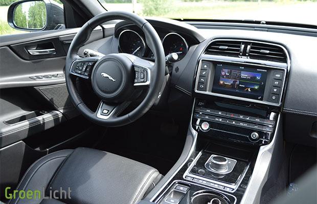 rijtest jaguar xe awd r sport my2018. Black Bedroom Furniture Sets. Home Design Ideas